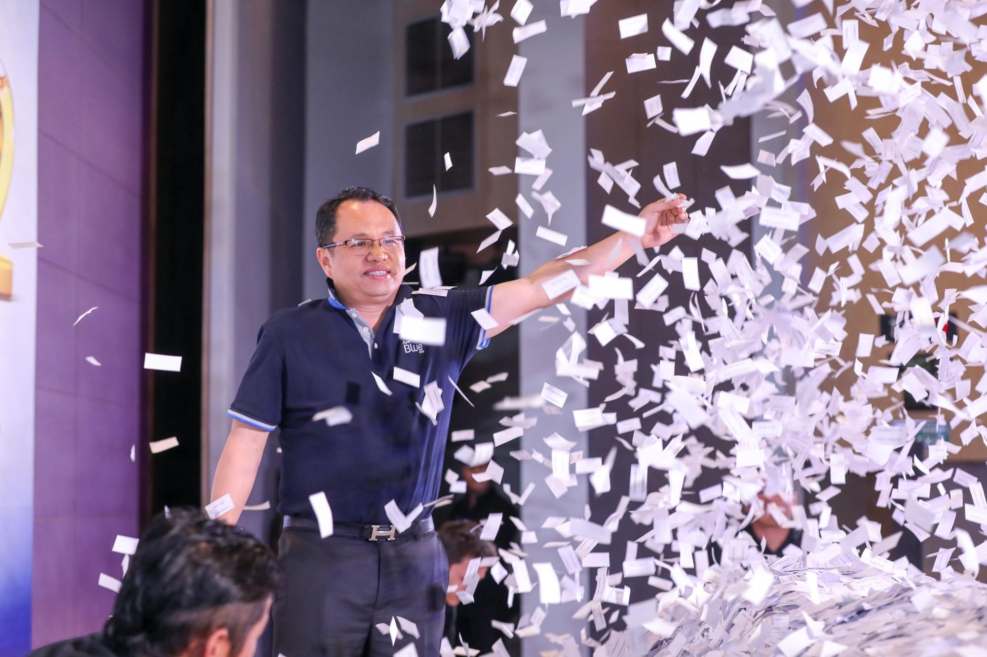 """""""PTT Blue Card มอบโชคใหญ่แก่สมาชิก 150 รางวัล รวมมูลค่ากว่า 2 ล้านบาท"""""""
