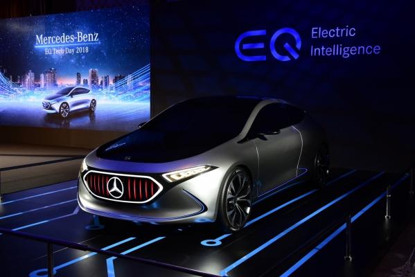 """""""เบนซ์"""" เอาจริงยานยนต์ไฟฟ้าอวดโฉมต้นแบบ """"อีคิวเอ"""" ประกาศตั้งโรงงานผลิตเเบตเตอรี่ในไทย"""