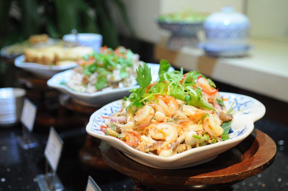 เสน่ห์อาหารไทยสไตล์บุฟเฟต์ที่ ห้องอาหารราชาวดี @ เจ้าพระยาปาร์ค