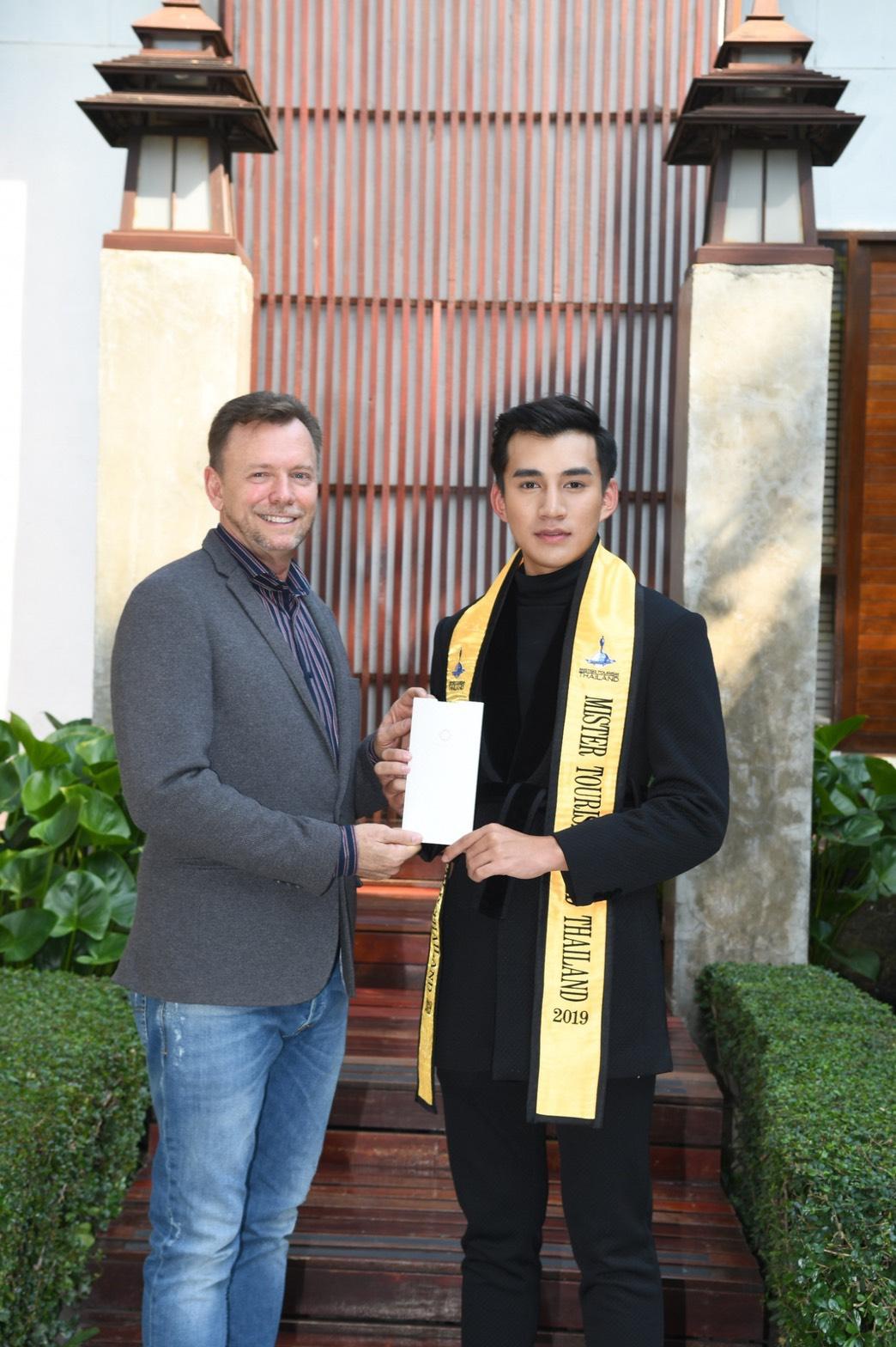 """""""ชนาธิป"""" คว้ารางวัล """"Mister Tourism World Thailand 2019"""" ก้าวสู่ทูตส่งเสริมการท่องเที่ยวไทย"""